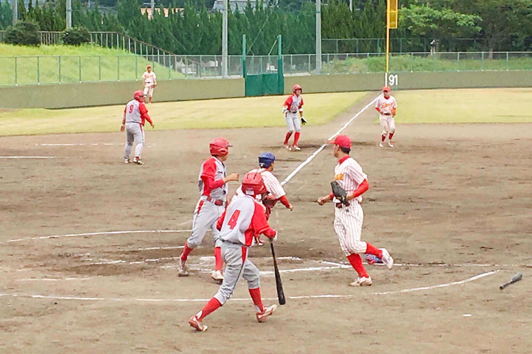 朝日I&Rクラブ武雄は四回、連打と四球で1死満塁とし、5番蒲地の中前打で先制。五回は1番井手の右越え打で追加点を上げた。