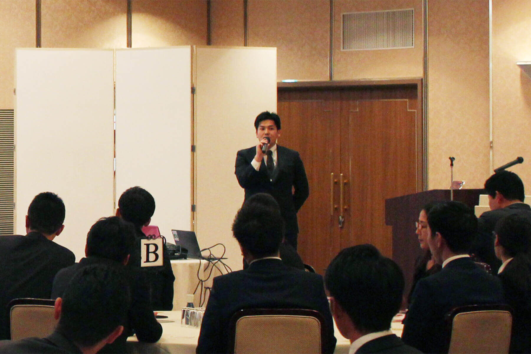朝日I&Rリアルティ代表 淺野怜史より、新ブランド「OURS」についての説明、グループ全体としてのブランディング方針・戦略などの説明がありました。